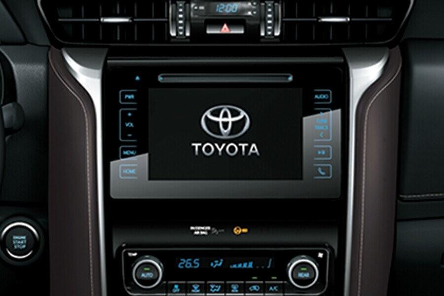 Nội thất Toyota Fortuner 28v 4x4 - Hình 1