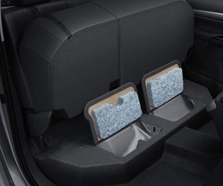 Ngăn đựng vật dụng hàng ghế sau được thiết kế nhằm tối ưu hoá không gian bên trong xe