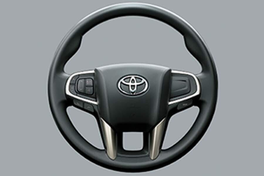 Nội thất Toyota Innova 2018 2.0E - Hình 2