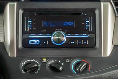 Nội thất Toyota Innova 2018 2.0E - Hình 4