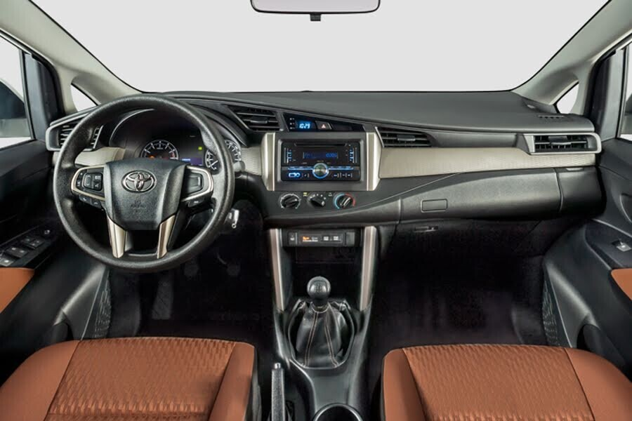 Nội thất Toyota Innova - Hình 1