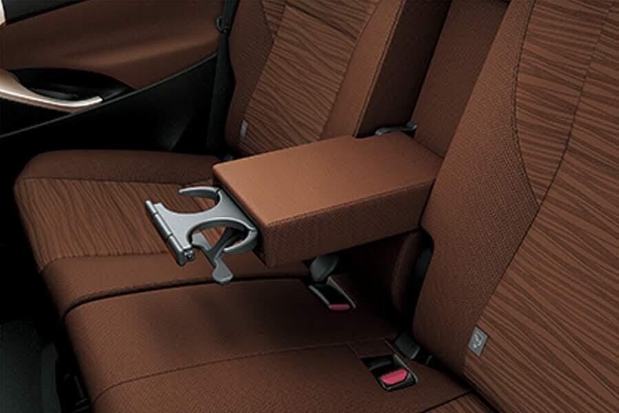 Nội thất Toyota Innova 2018 2.0G - Hình 12