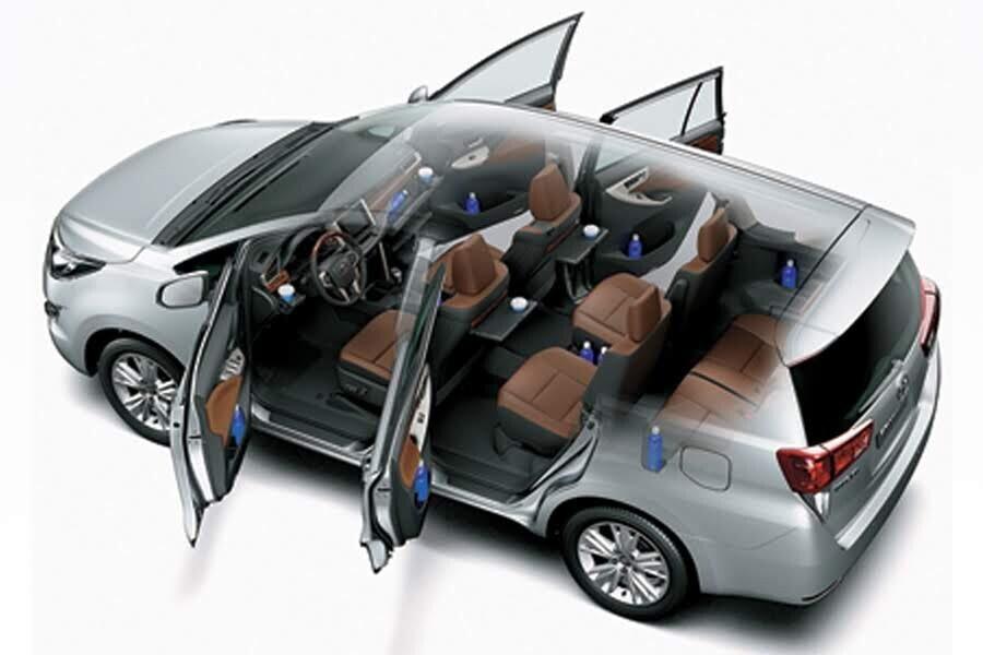 Nội thất Toyota Innova 2018 2.0V - Hình 6