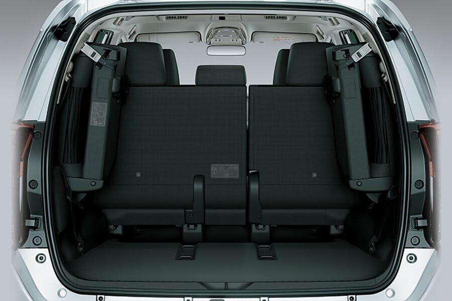 Nội thất Toyota Innova Venturer - Hình 9
