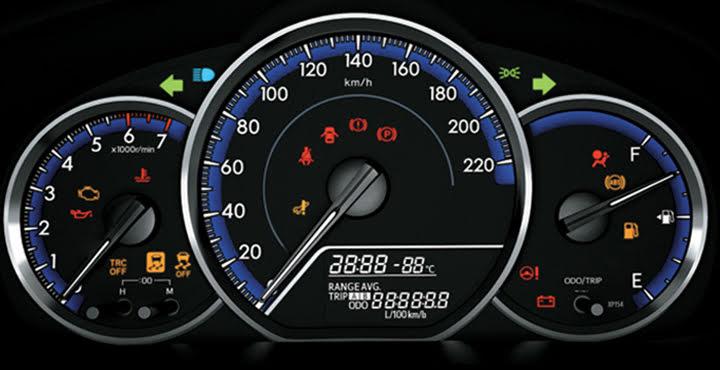 Bảng đồng hồ đa thông tin được tích hợp trong bảng đồng hồ giúp người lái dễ dàng quan sát các chỉ số khi vận hành