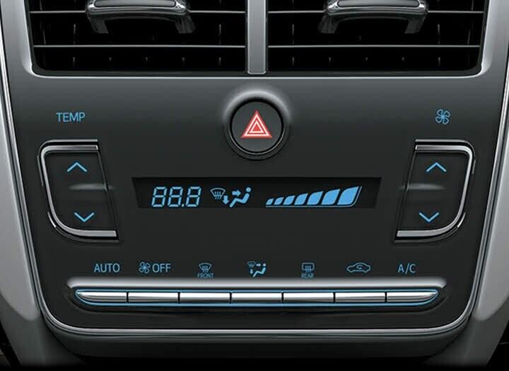 Hệ thống đều hòa tự được trang bị bộ lọc gió giúp không khí trong xe luôn sạch mát, trong lành, tạo cảm giác thoải mái