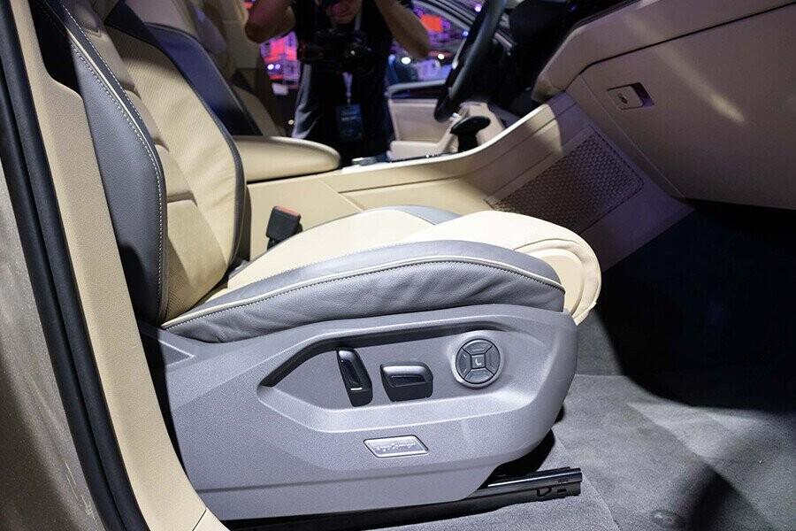 Ghế người lái & hành khách phía trước điều chỉnh điện