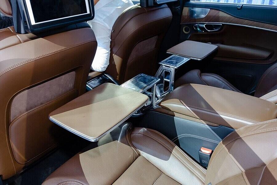 Bàn làm việc hàng ghế sau