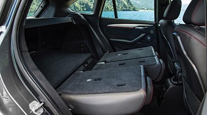 Hàng ghế sau có thể điều chỉnh