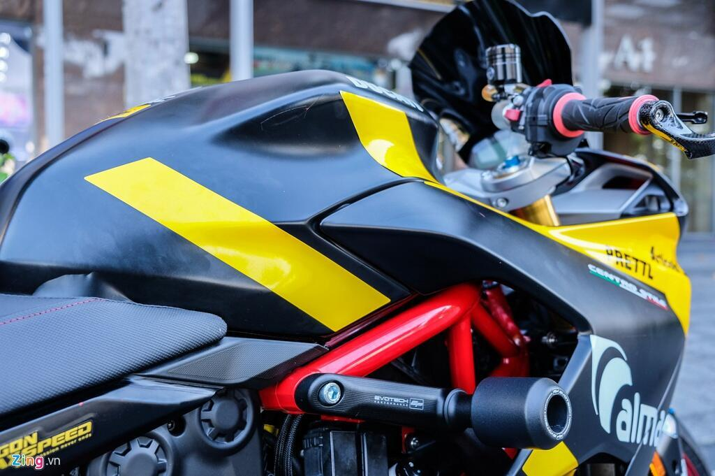 Nu biker TP.HCM chi 150 trieu de lot xac Ducati SuperSport S hinh anh 10 DSCF1624_zing.jpg