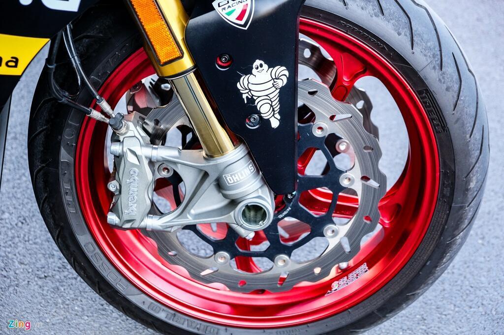 Nu biker TP.HCM chi 150 trieu de lot xac Ducati SuperSport S hinh anh 4 DSCF1611_zing.jpg
