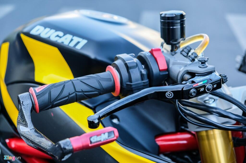 Nu biker TP.HCM chi 150 trieu de lot xac Ducati SuperSport S hinh anh 8 DSCF1613_zing.jpg