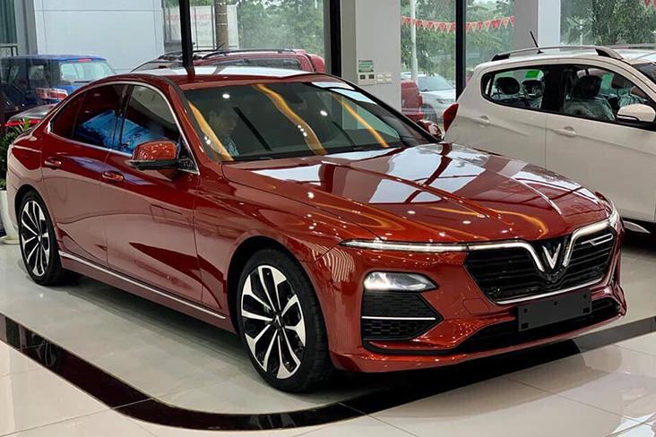 Một mẫu Lux A2.0 tại đại lý ở Hà Nội. Ảnh: Anh Dũng