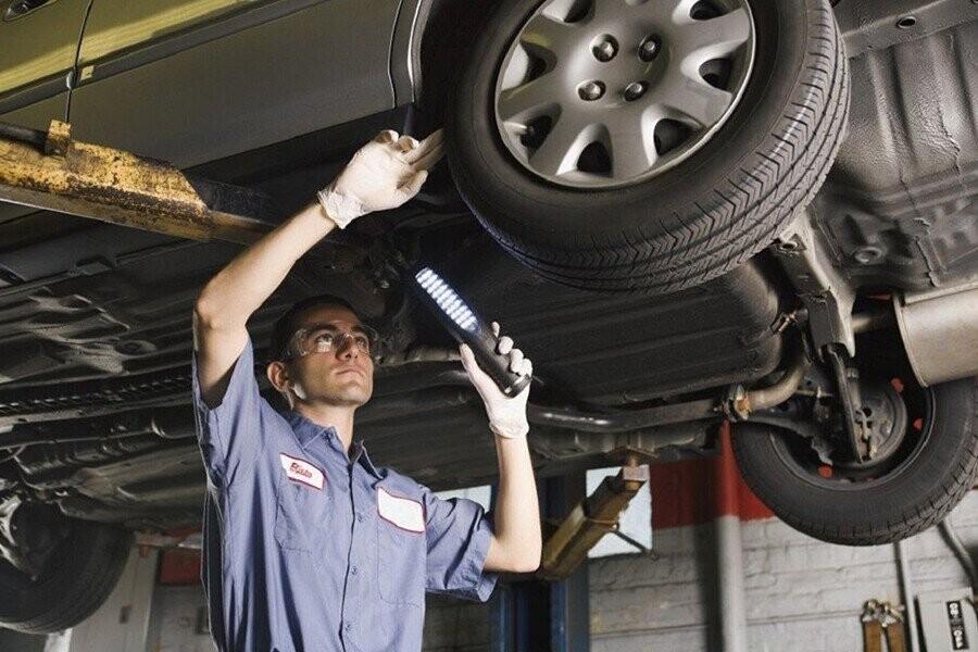 Xe ô tô bị chảy dầu