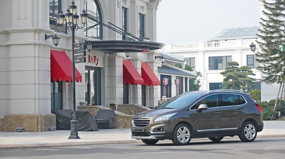 Peugeot 3008 đi 100km hết 6,5L xăng - Hình 2