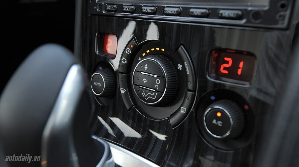 Peugeot 3008 đi 100km hết 6,5L xăng - Hình 7