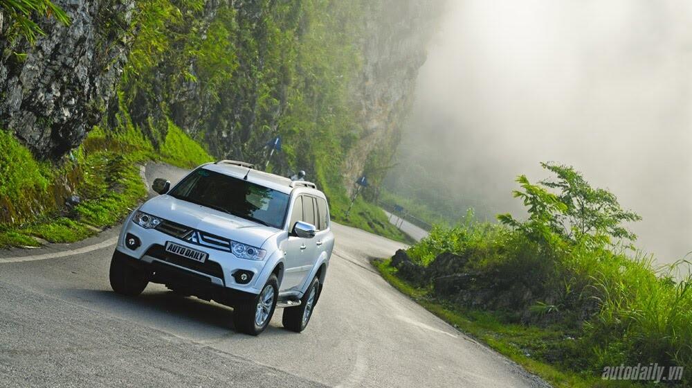 """Phấn khích cùng """"chiến binh"""" Mitsubishi Pajero Sport 4x4 AT - Hình 1"""