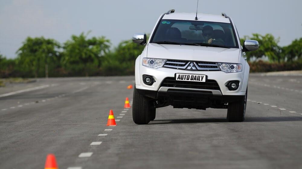 """Phấn khích cùng """"chiến binh"""" Mitsubishi Pajero Sport 4x4 AT - Hình 4"""