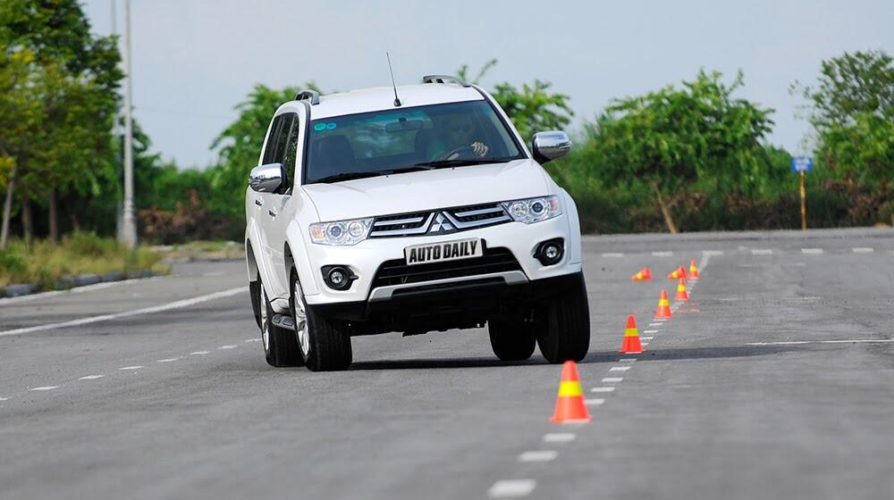 """Phấn khích cùng """"chiến binh"""" Mitsubishi Pajero Sport 4x4 AT - Hình 5"""