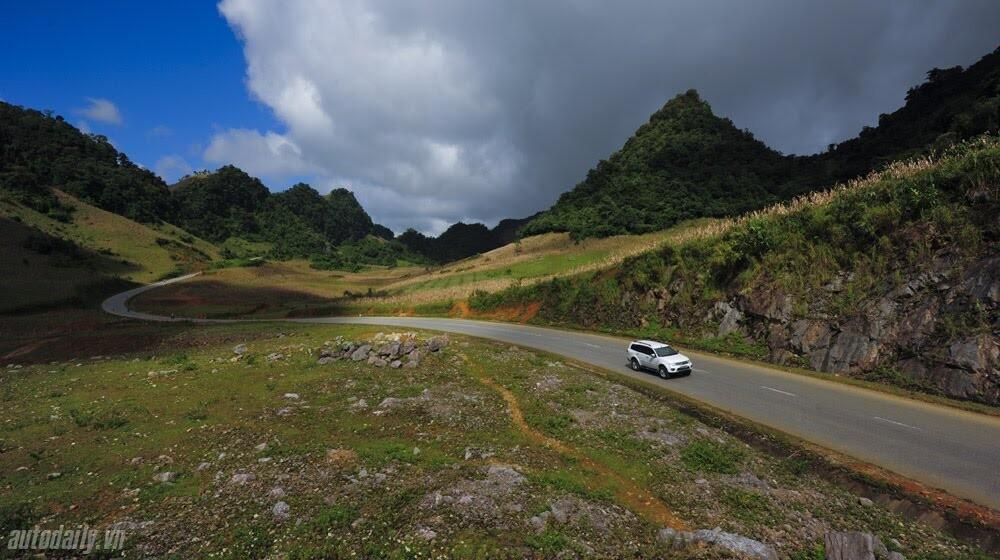 """Phấn khích cùng """"chiến binh"""" Mitsubishi Pajero Sport 4x4 AT - Hình 8"""