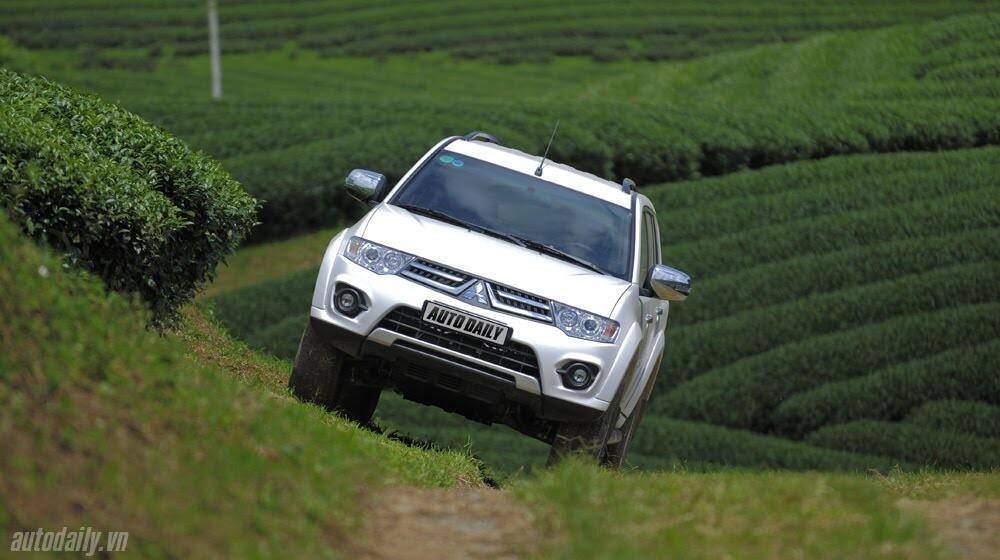 """Phấn khích cùng """"chiến binh"""" Mitsubishi Pajero Sport 4x4 AT - Hình 11"""