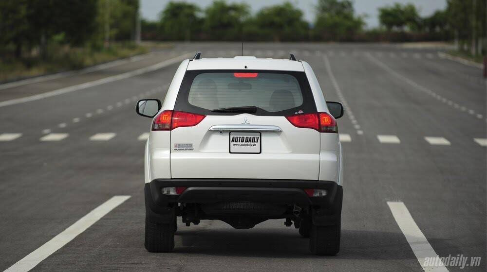 """Phấn khích cùng """"chiến binh"""" Mitsubishi Pajero Sport 4x4 AT - Hình 20"""