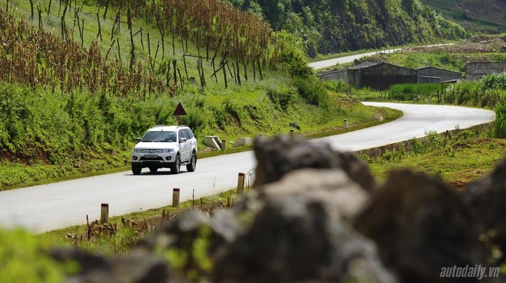 """Phấn khích cùng """"chiến binh"""" Mitsubishi Pajero Sport 4x4 AT - Hình 37"""