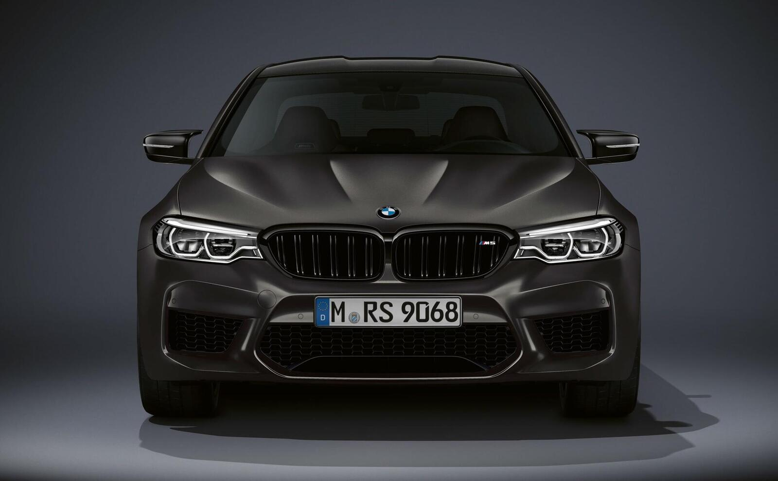 """Phiên bản đặc biệt của BMW tên M5 """"Edition 35 Jahre"""" được sản xuất giới hạn chỉ 350 chiếc - Hình 2"""
