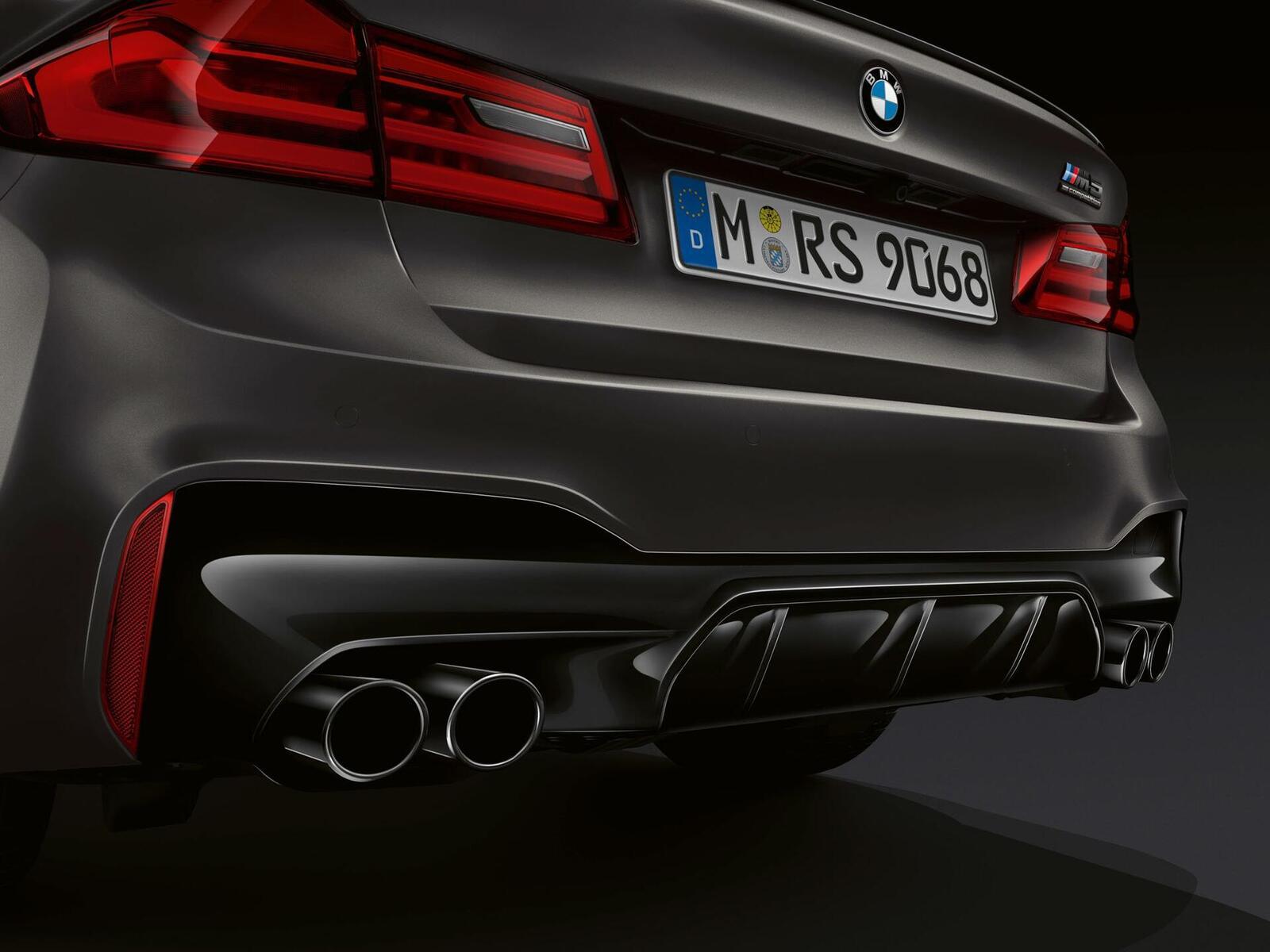 """Phiên bản đặc biệt của BMW tên M5 """"Edition 35 Jahre"""" được sản xuất giới hạn chỉ 350 chiếc - Hình 3"""