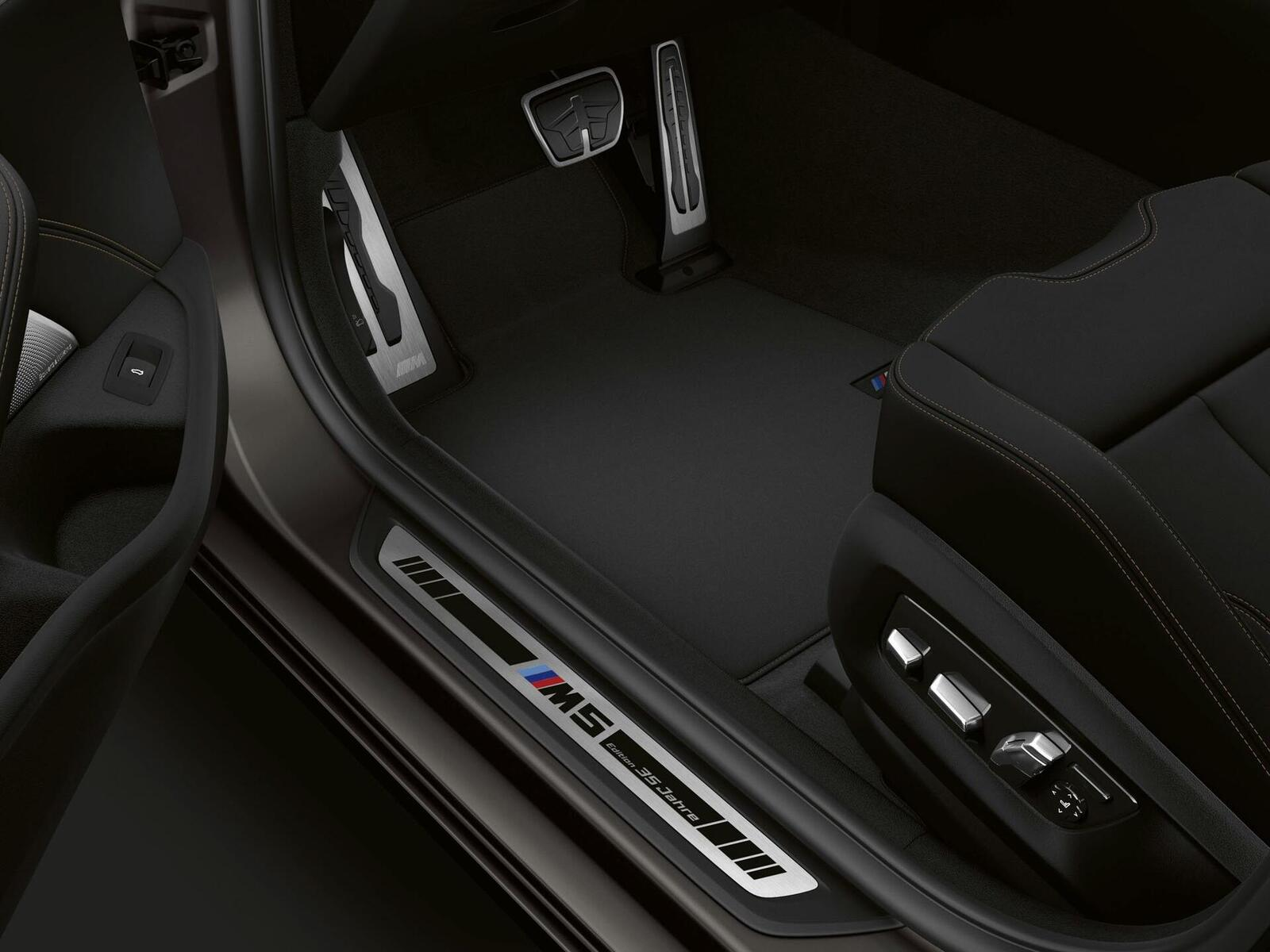 """Phiên bản đặc biệt của BMW tên M5 """"Edition 35 Jahre"""" được sản xuất giới hạn chỉ 350 chiếc - Hình 6"""