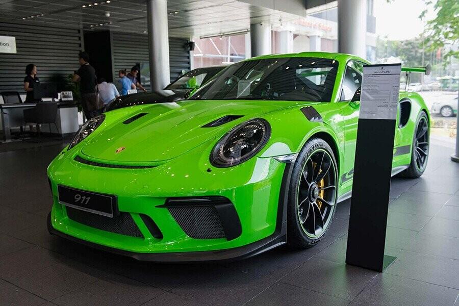 Tổng Quan Porsche 911 GT2 RS