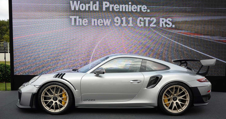 Porsche 911 GT2 RS 2018 chính thức trình làng - Hình 3