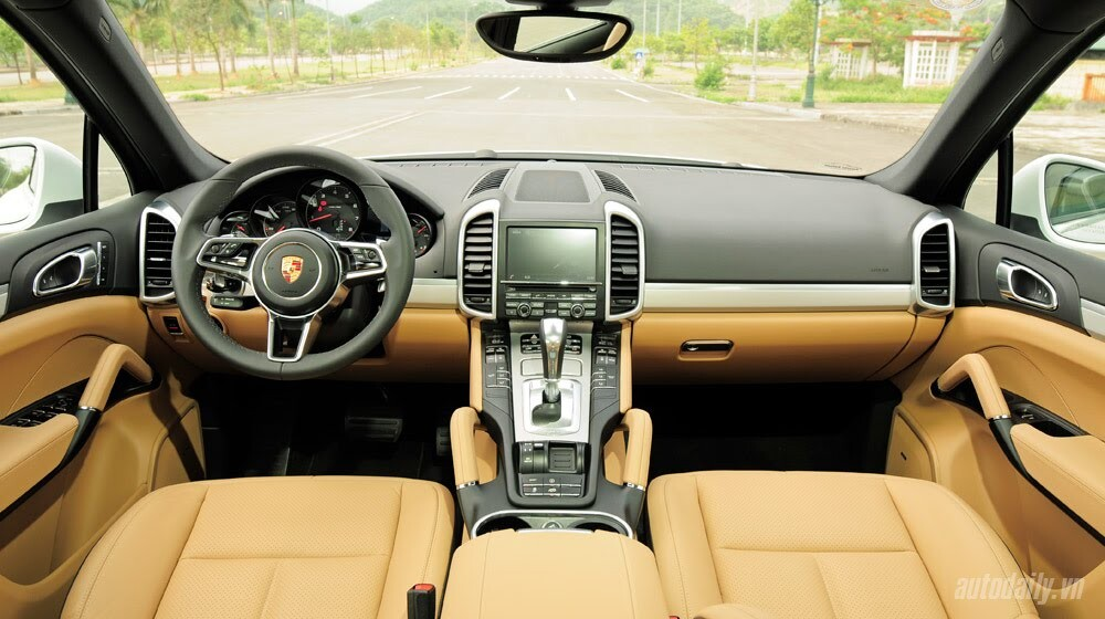 Porsche Cayenne 2015: SUV cho người