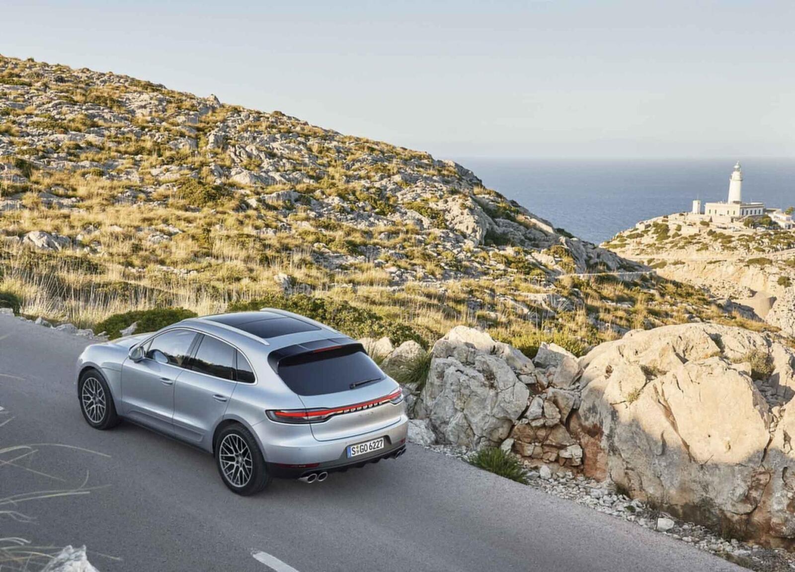 Porsche Macan S 2019 có giá 3,62 tỷ đồng tại Việt Nam; lắp máy V6 3.0L tăng áp mạnh mẽ - Hình 7