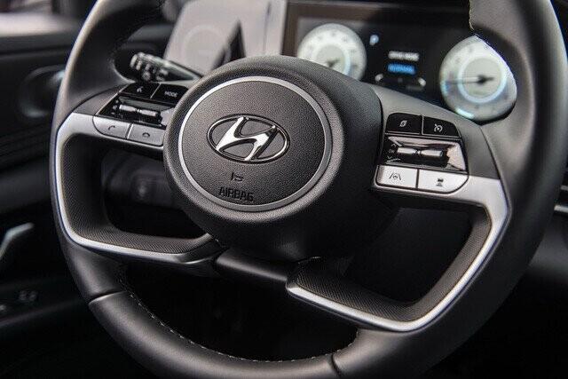 Ra mắt Hyundai Elantra hoàn toàn mới: Đẹp xuất sắc, đe nẹt Mazda3 - Ảnh 11.