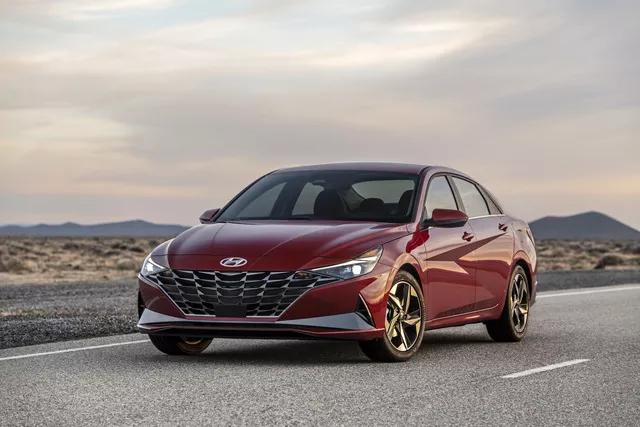 Ra mắt Hyundai Elantra hoàn toàn mới: Đẹp xuất sắc, đe nẹt Mazda3 - Ảnh 6.