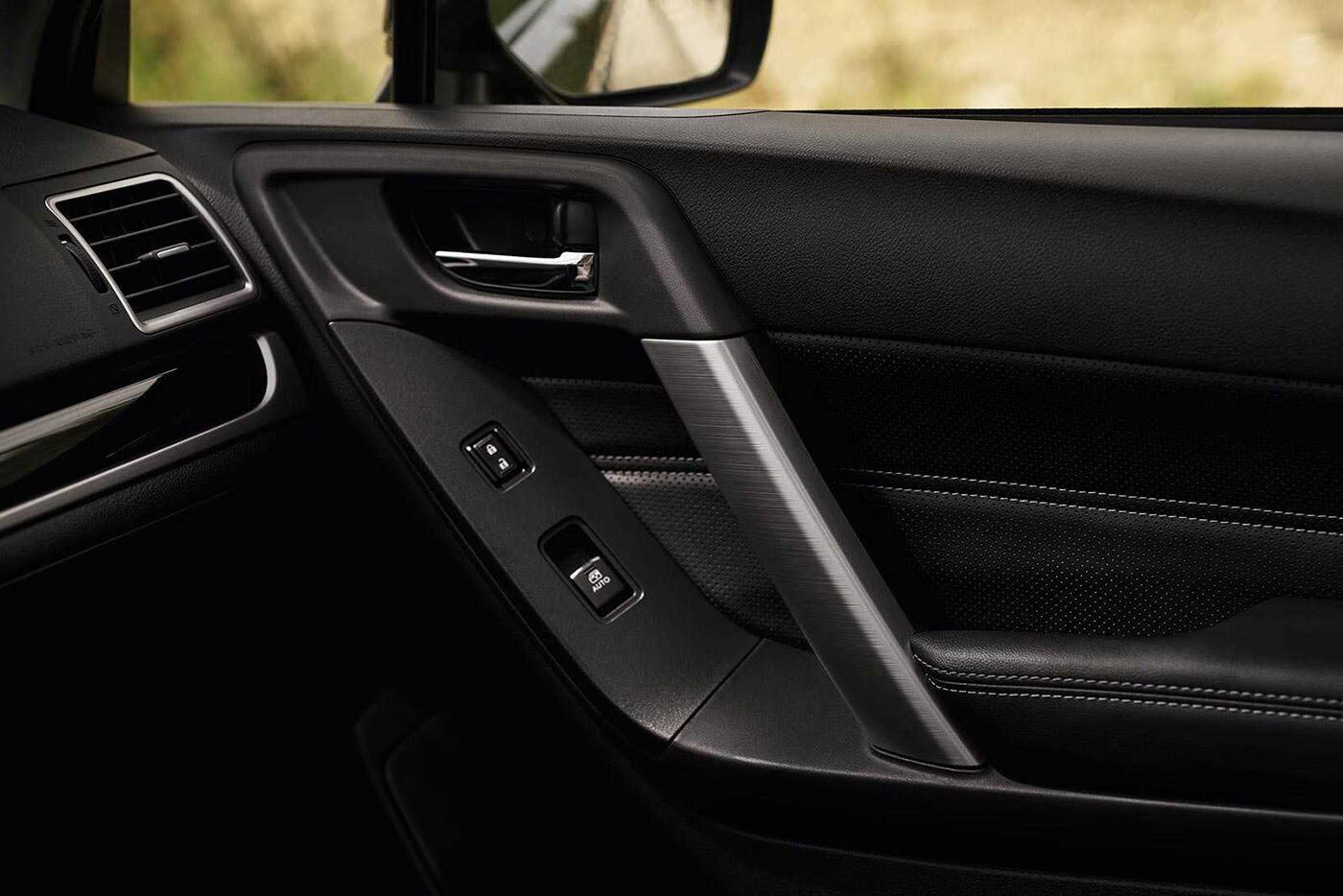 Ra mắt Subaru Forester 2018 phiên bản màu đen đặc biệt - Hình 4