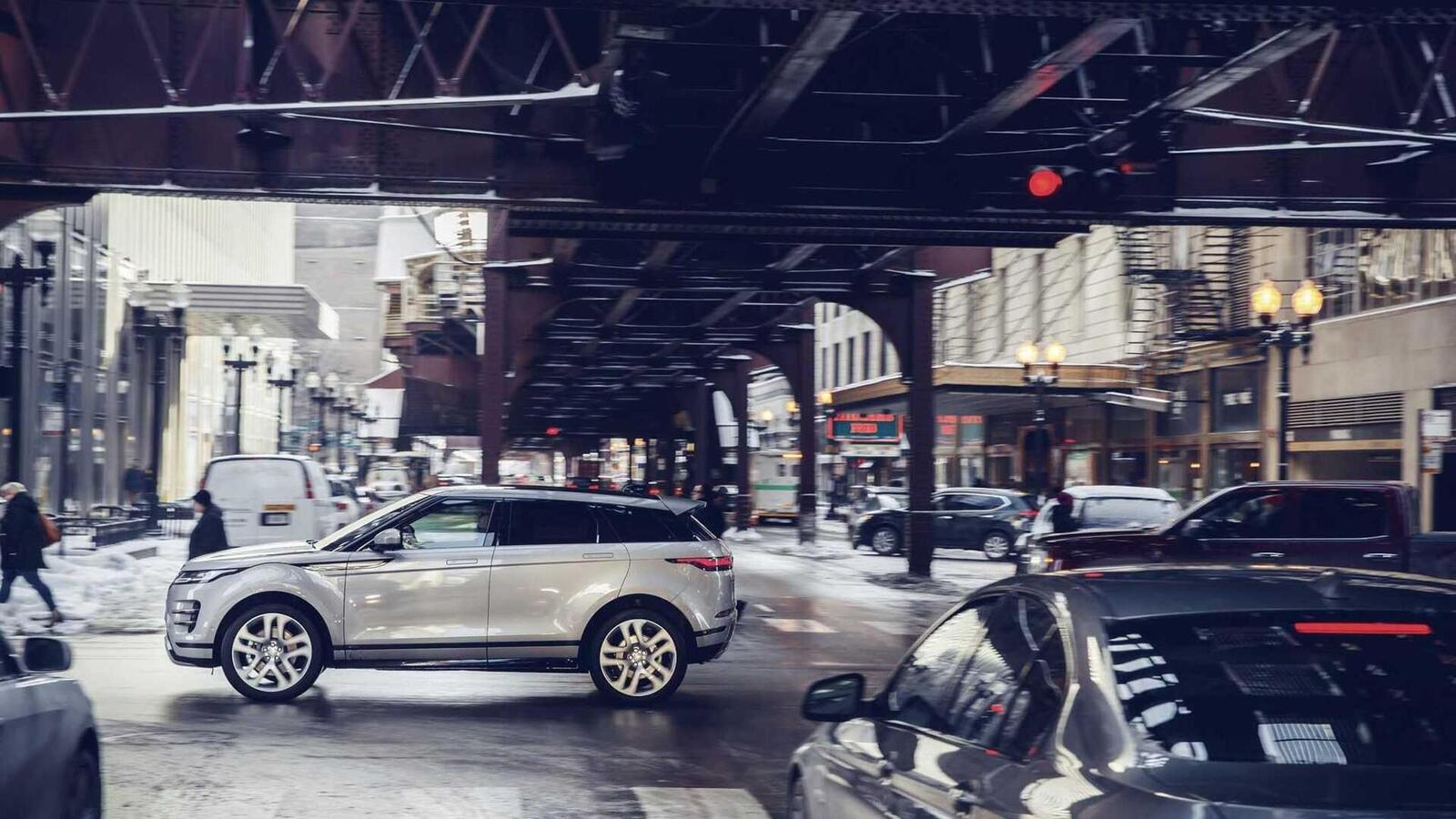 Range Rover Evoque mới tại Mỹ có giá từ 43.645 USD, đắt hơn Audi Q5 và Mercedes GLC - Hình 19
