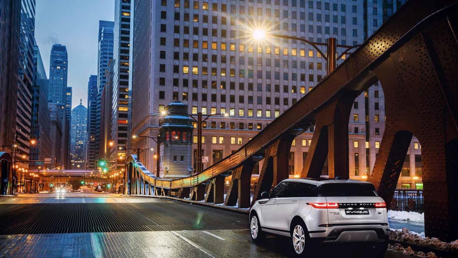 Range Rover Evoque mới tại Mỹ có giá từ 43.645 USD, đắt hơn Audi Q5 và Mercedes GLC - Hình 22
