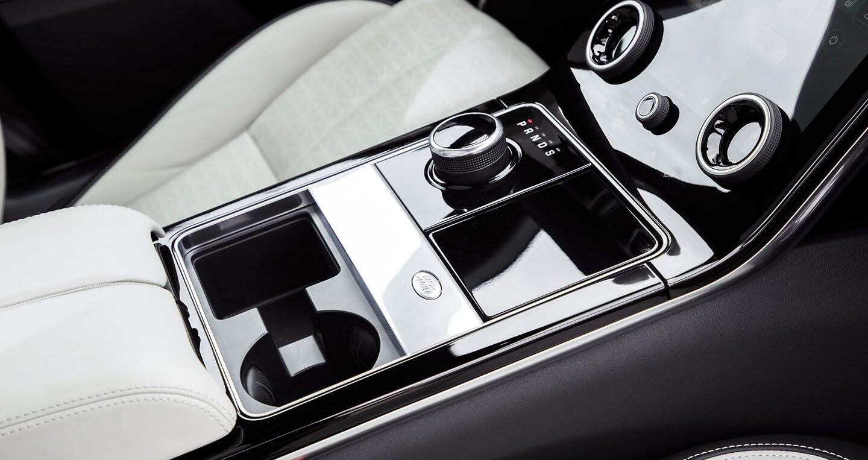 """Range Rover Velar """"chào"""" thị trường ĐNÁ với giá bán từ 180.450 USD - Hình 7"""