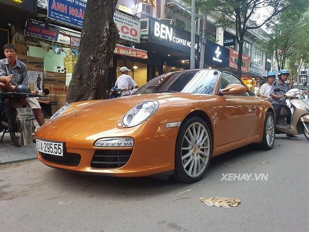 Sài Gòn: Bắt gặp Porsche 911 Carrera Cabriolet dạo phố ngày cuối tuần - Hình 1