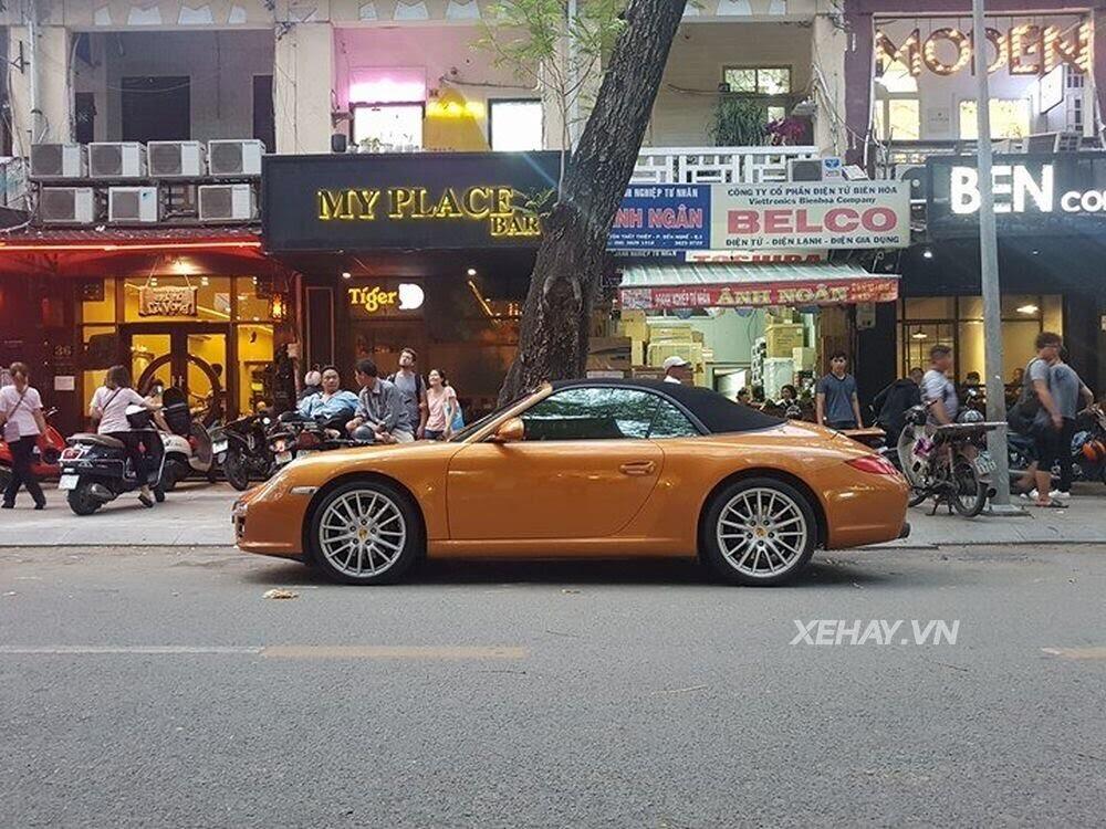 Sài Gòn: Bắt gặp Porsche 911 Carrera Cabriolet dạo phố ngày cuối tuần - Hình 5