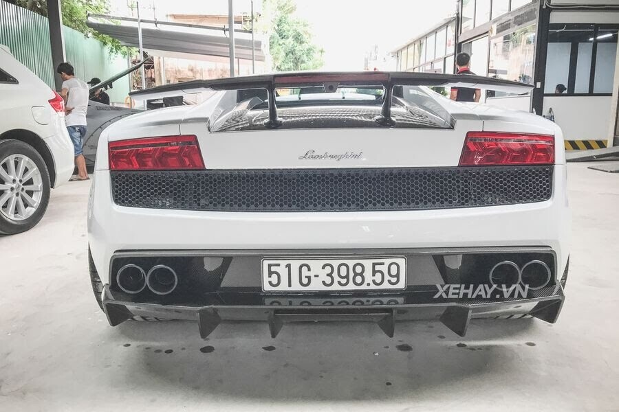 """Sài Gòn: Dàn siêu xe chục tỷ """"nẹt pô"""" mừng khai trương Dr.Joe & Car Wash Japan - Hình 3"""