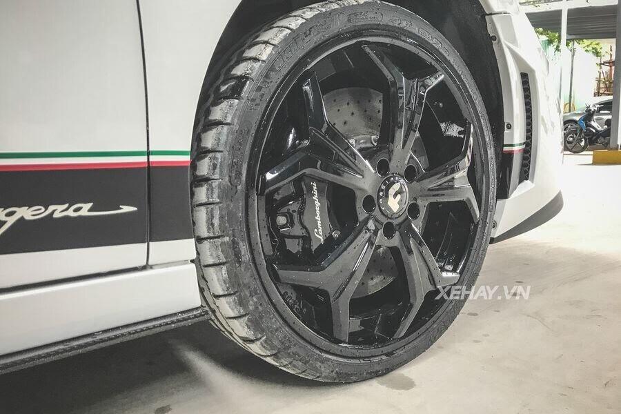"""Sài Gòn: Dàn siêu xe chục tỷ """"nẹt pô"""" mừng khai trương Dr.Joe & Car Wash Japan - Hình 5"""