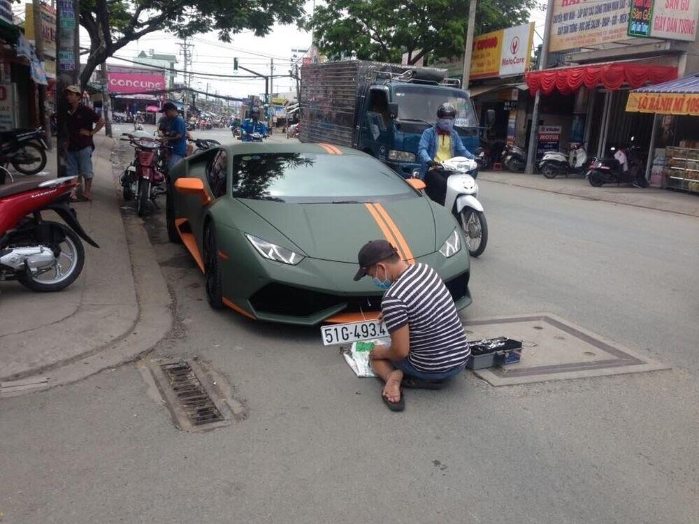 Sài Gòn: Lamborghini Huracan độ mâm khủng, gắn biển số chuẩn bị đi chơi lễ 2/9 - Hình 1