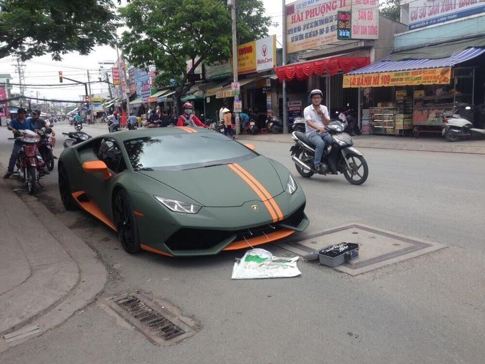 Sài Gòn: Lamborghini Huracan độ mâm khủng, gắn biển số chuẩn bị đi chơi lễ 2/9 - Hình 2