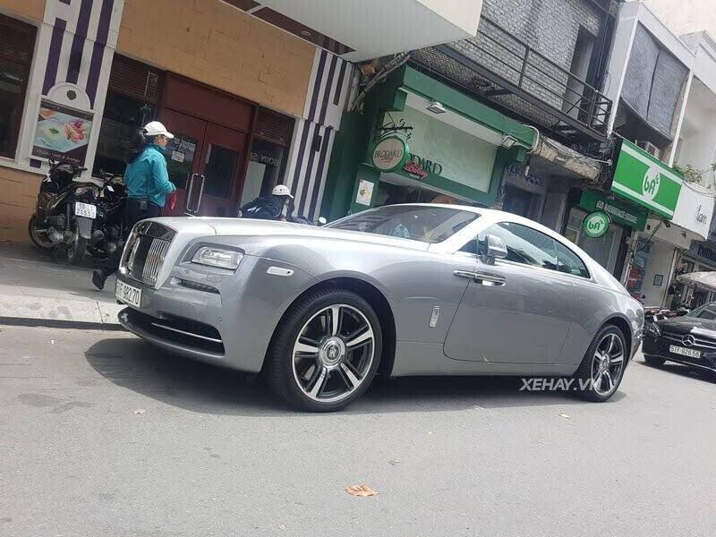 Sài Gòn: Rolls-Royce Wraith màu xám dạo phố sau thời gian dài ở ẩn - Hình 1