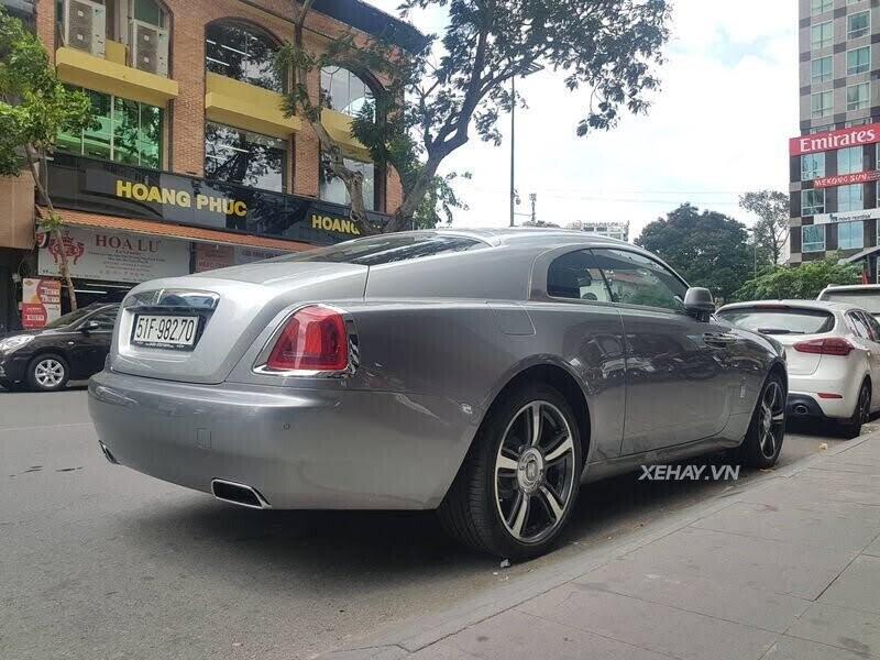 Sài Gòn: Rolls-Royce Wraith màu xám dạo phố sau thời gian dài ở ẩn - Hình 2