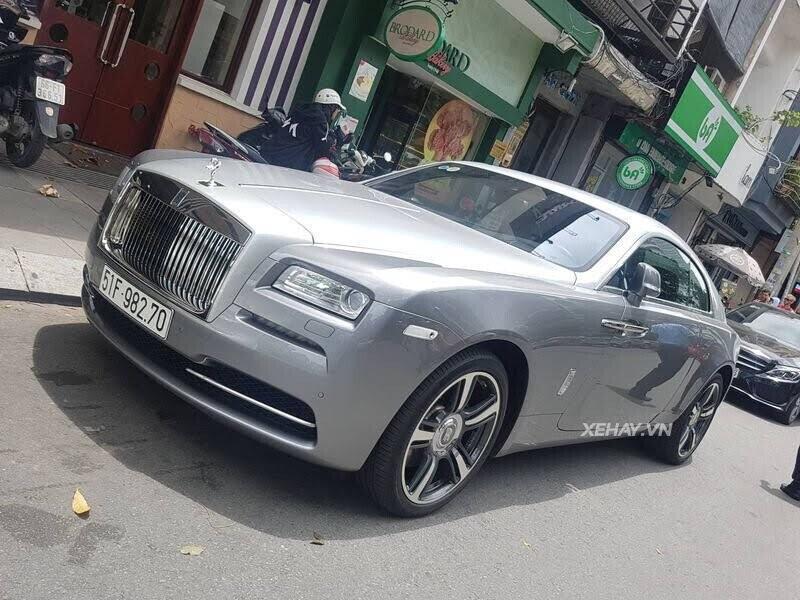 Sài Gòn: Rolls-Royce Wraith màu xám dạo phố sau thời gian dài ở ẩn - Hình 3