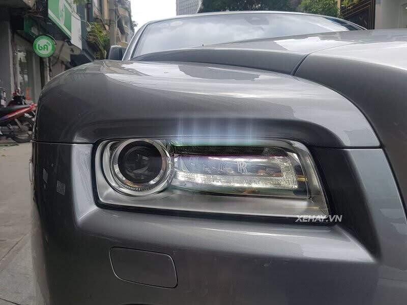 Sài Gòn: Rolls-Royce Wraith màu xám dạo phố sau thời gian dài ở ẩn - Hình 4